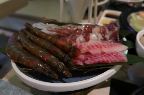 白蝦四尾/小卷一隻/鯛魚片
